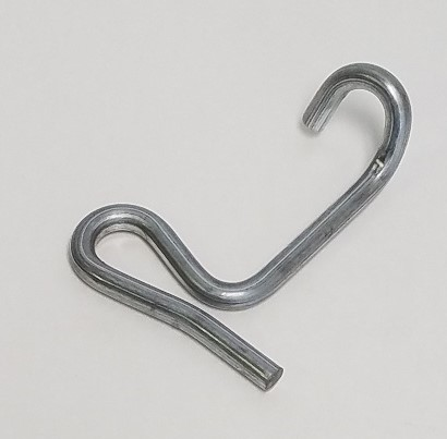 0166 - Standard Clip for Barbed Wire